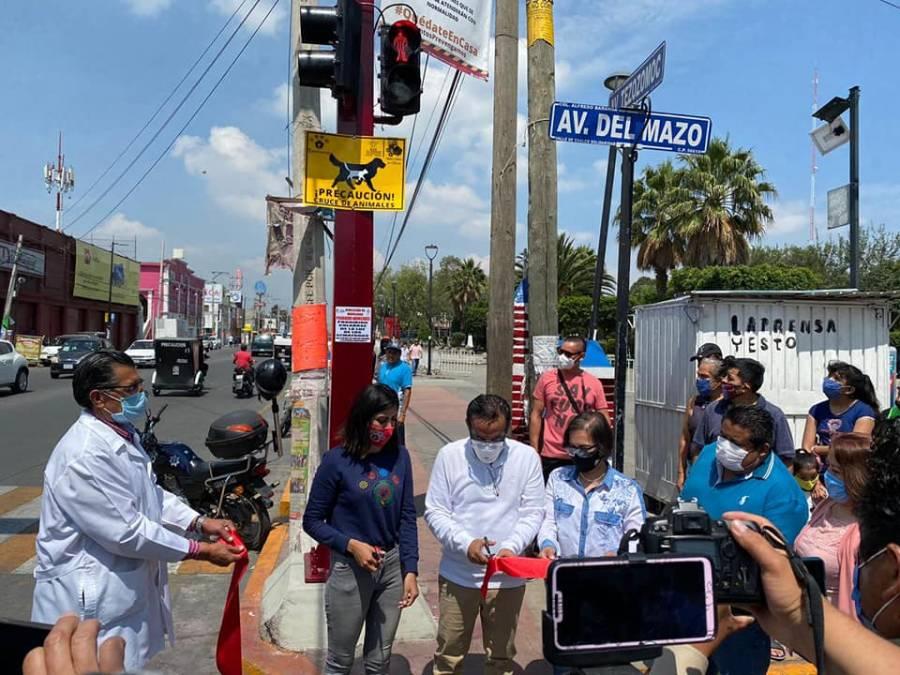 Colocan señalamientos para evitar atropellar a perros y gatos en Valle de Chalco