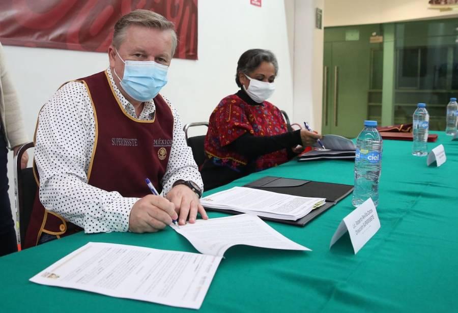 Firman SUPERISSSTE e INAPAM convenio para beneficio de adultos mayores