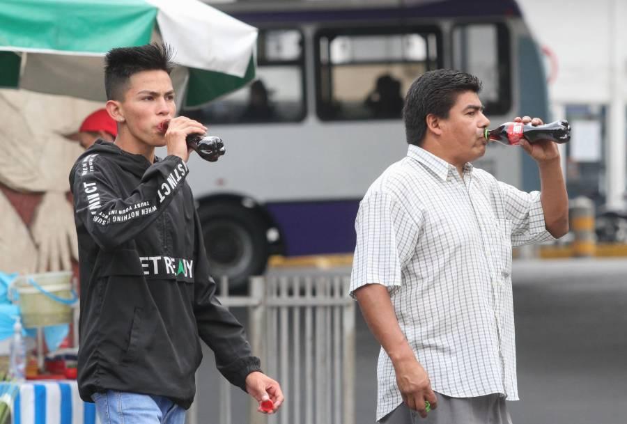 Morenistas proponen más impuestos, AMLO dice que no