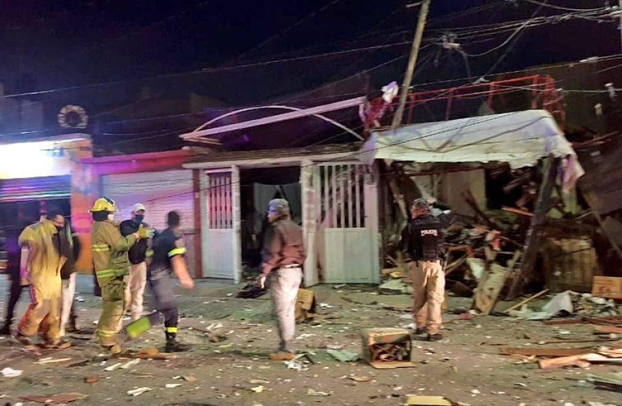 Explosión de gas en taller mecánico deja daños a viviendas en Coacalco