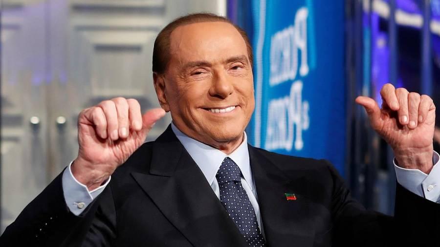 Silvio Berlusconi es hospitalizado tras dar positivo por Covid-19