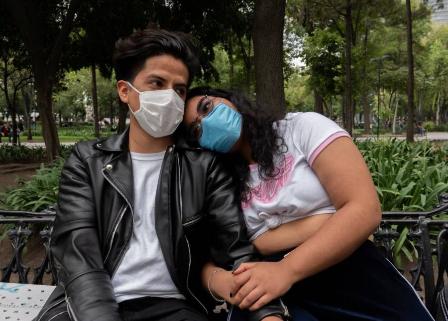 Canadá recomienda usar mascarilla si van a tener relaciones sexuales