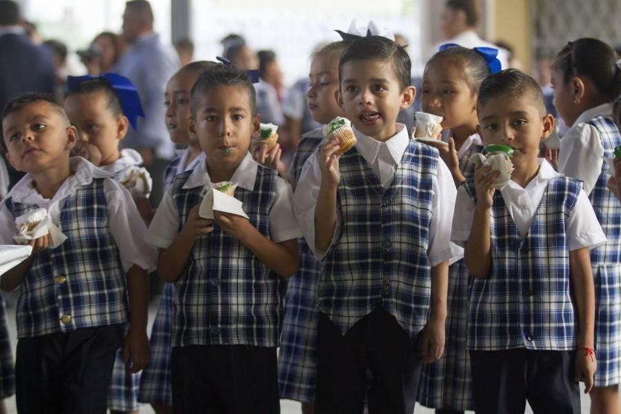 Profeco: Escuelas no obligarán a comprar uniformes, ni útiles