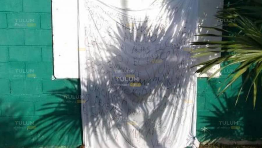 Colocan narcomanta en la unidad deportiva de Tulum, en Quintana Roo