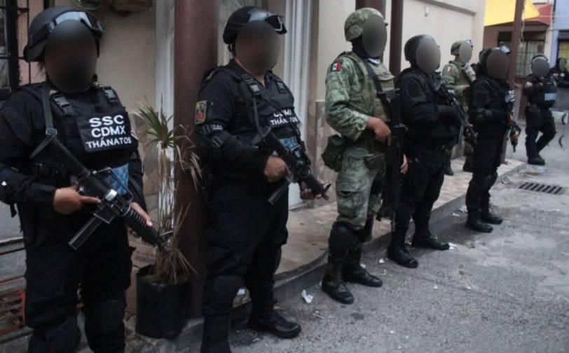 Al menos 15 detenidos en ocho cateos en Venustiano Carranza