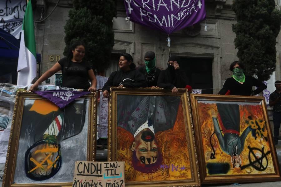 Piden renuncie Piedra; AMLO critica protesta
