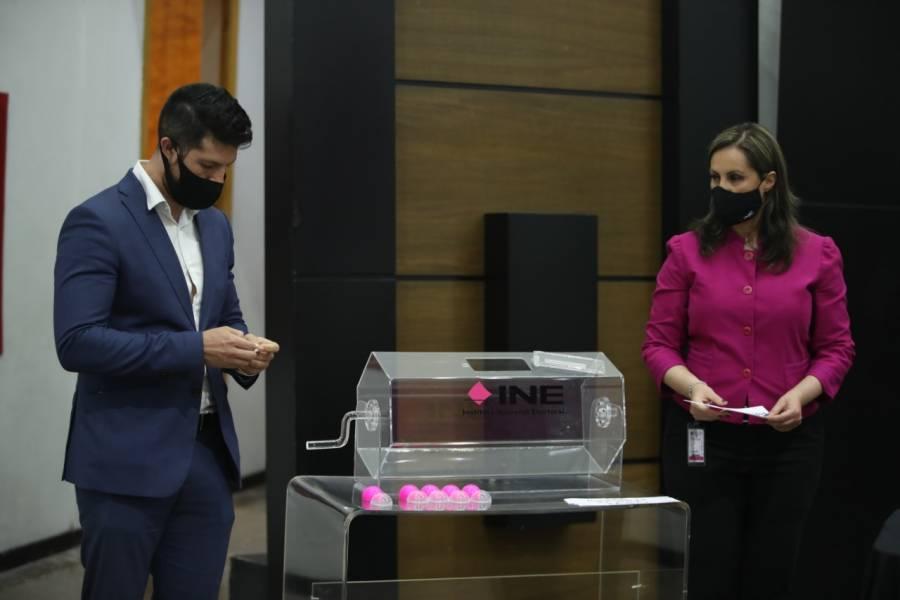 INE escoge a 3 empresas que realizarán encuestas para renovar la dirigencia de Morena