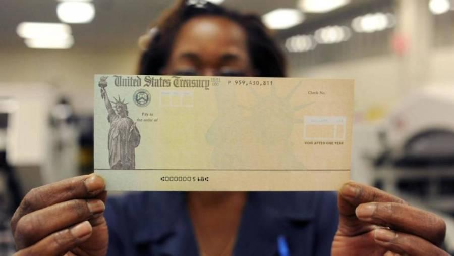 Austriacos reciben cheque de Estados Unidos por error administrativo