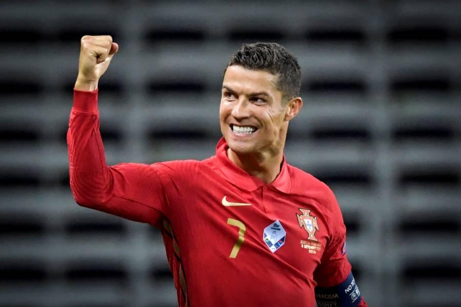 ¡Histórico! Cristiano Ronaldo, primer futbolista en superar los 100 goles con una selección europea