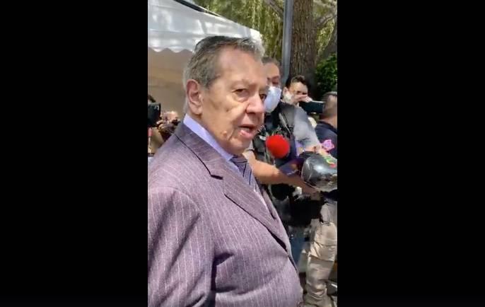 Muñoz Ledo se registra como candidato ante el INE para dirigir Morena