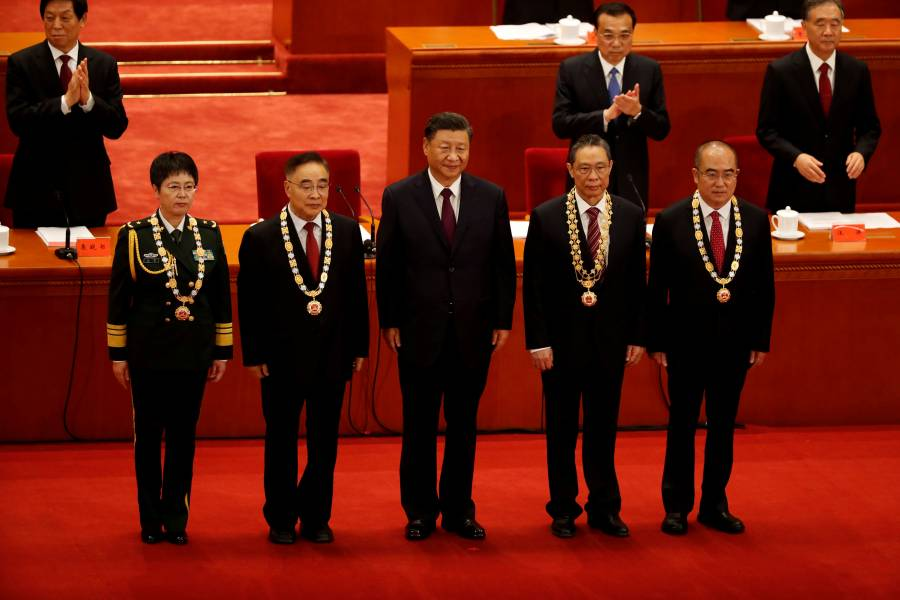 Con 900 mil muertos en puerta,  China celebra fin del Covid-19