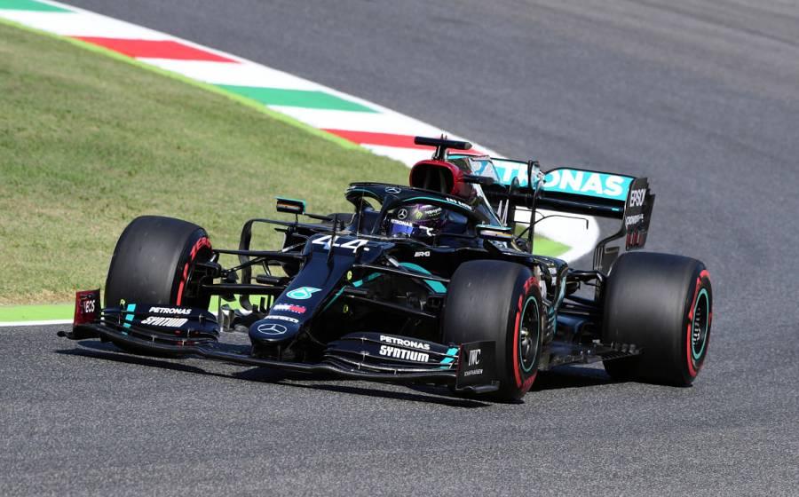 """Hamilton remonta y se lleva la pole en GP La Toscana; """"Checo"""" saldrá séptimo"""