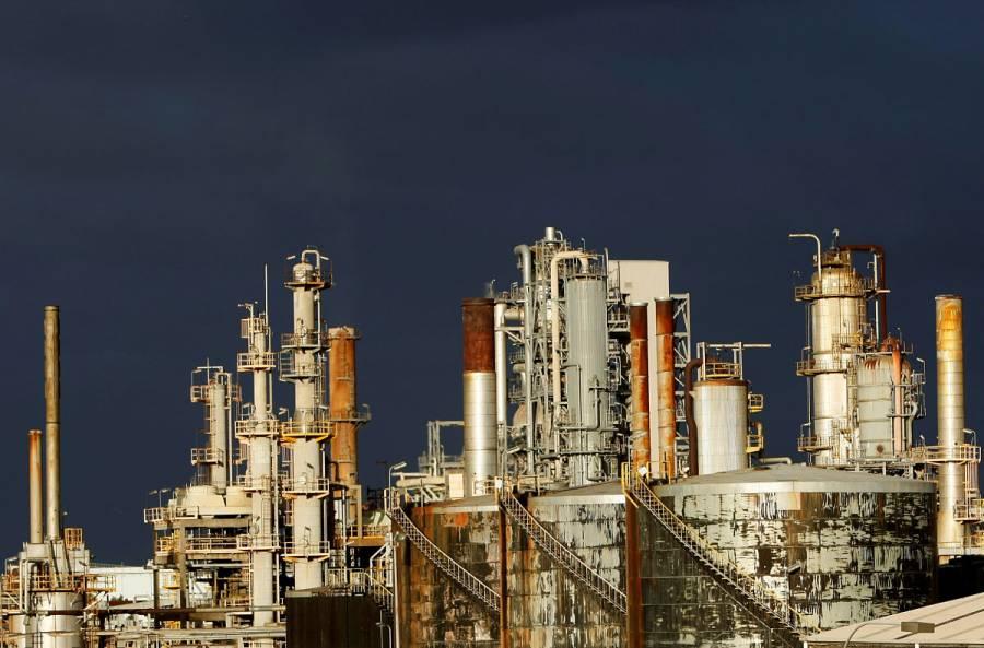 Chevron evacua plataformas petroleras en Golfo de México por tormenta