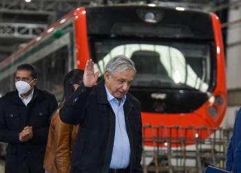 AMLO promete nueva línea de Tren Ligero en Guadalajara
