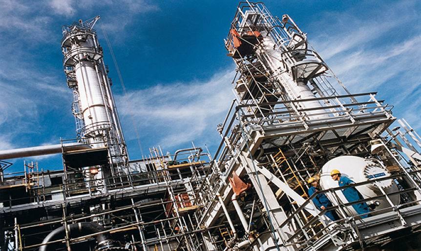 Petroleras detienen producción mientras costa EEUU en Golfo de México se prepara para huracán