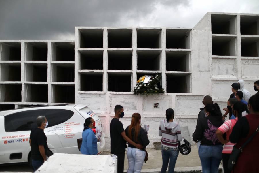 Brasil supera las 132 mil muertes por COVID-19