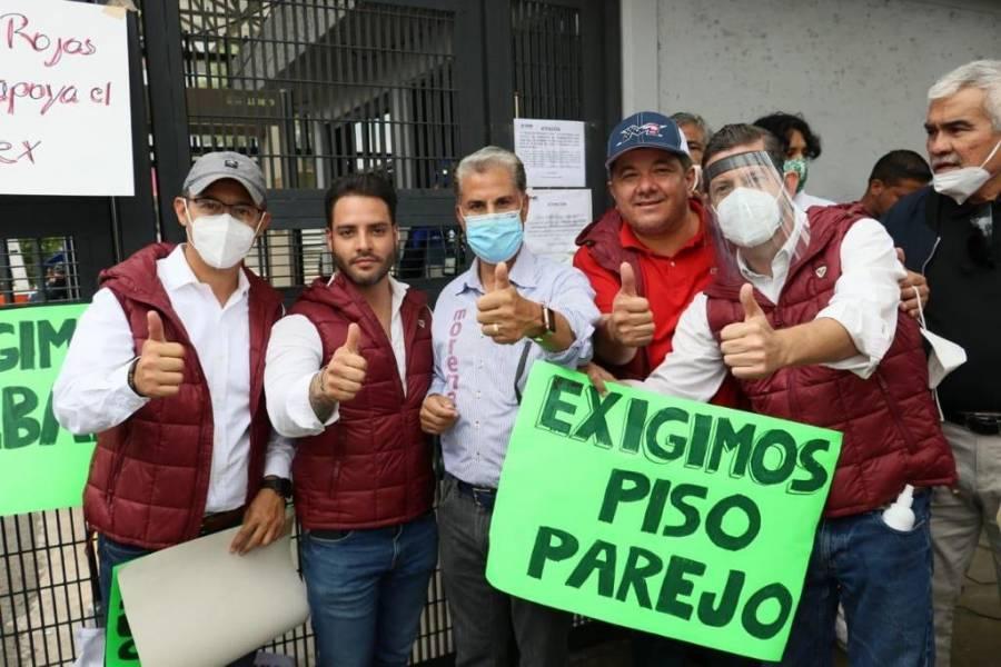 Alejandro Rojas toma simbólicamente el INE