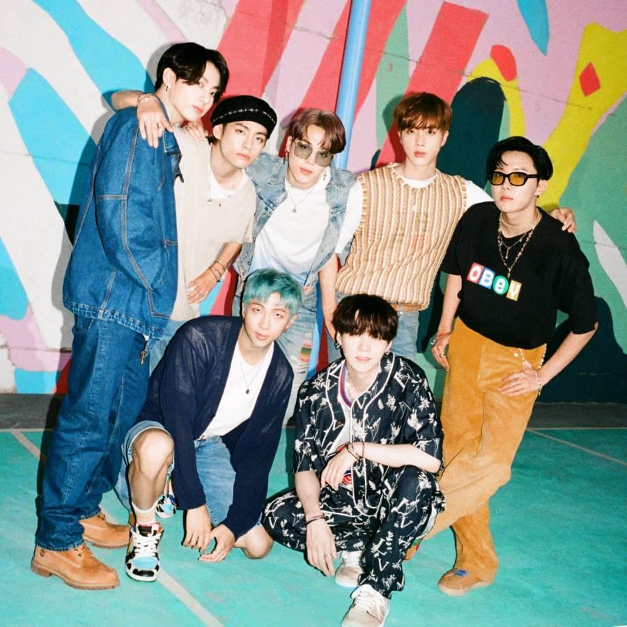 """""""Dynamite"""" de BTS se mantiene en el segundo puesto del Hot 100 de Billboard"""