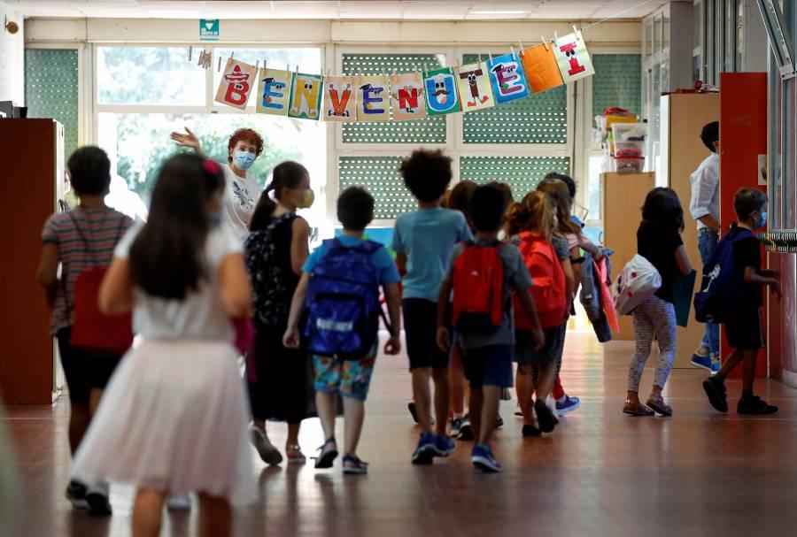 Italia reabre escuelas tras seis meses cerradas por pandemia