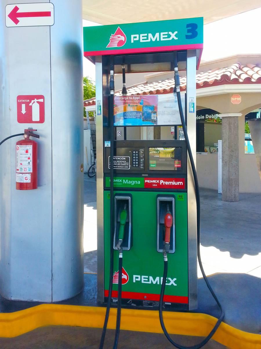 Cofece sanciona a grupos gasolineros