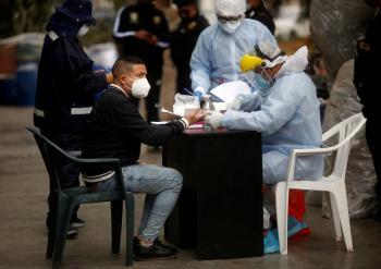 Perú levanta toque de queda los domingos; casos de COVID-19 se moderan