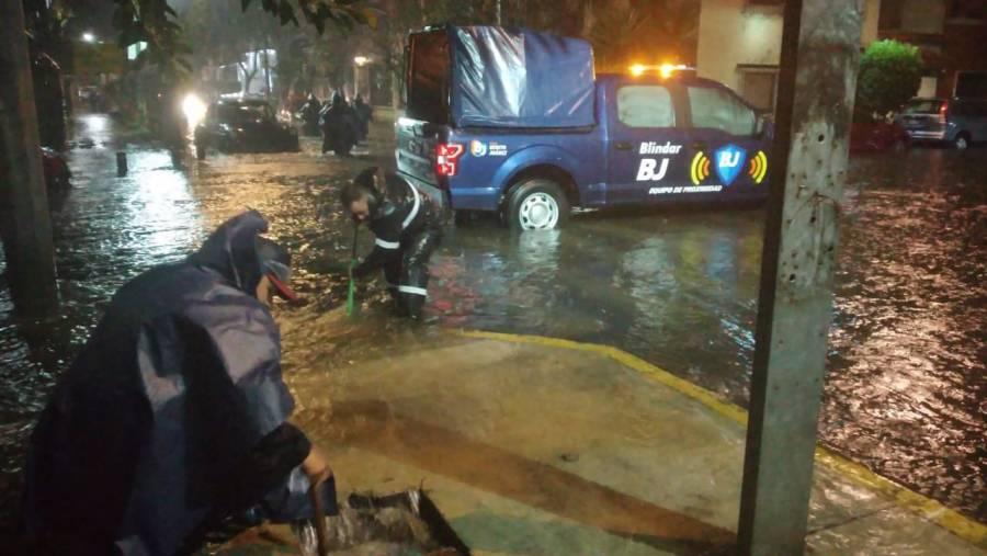 Fuertes lluvias dejan dos muertos e inundaciones en varias alcaldías