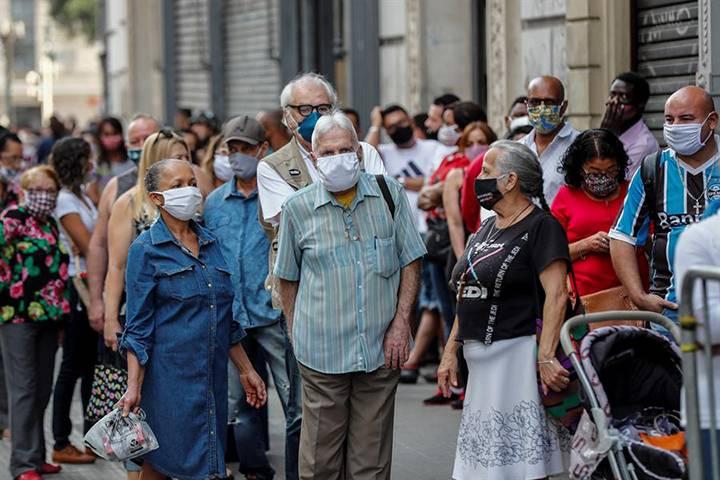 Brasil suma 829 muertos en las últimas 24 horas