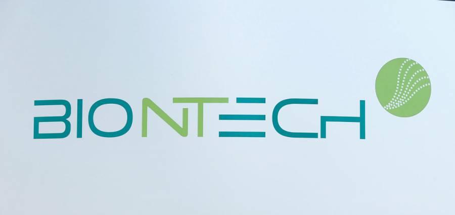BioNTech compra planta de Novartis para elevar producción de vacunas