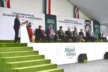 ENTREGAN PRESEA MIGUEL HIDALGO A MÉDICOS