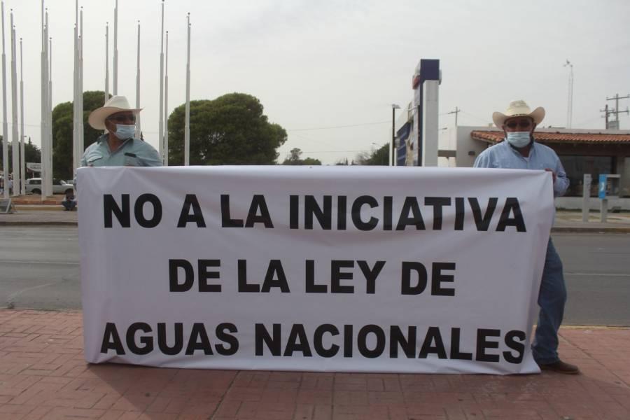 En Delicias, Chihuahua, se manifestaron agricultores en defensa del agua