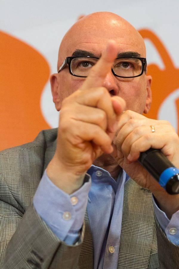 """""""Un acto de perversión someter la ley a consulta"""": Dante Delgado a AMLO"""