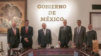 AMLO SE REUNE CON CEO DE COLA-COLA