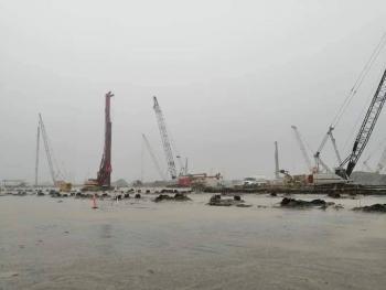 Fuertes lluvias inundan Refinería de Dos Bocas en Tabasco