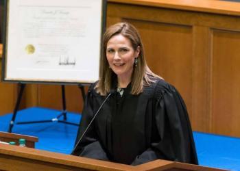 Trump sustituiría a Ruth Bader con Amy Coney Barrett en la Corte Suprema