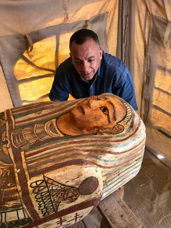 Descubren 27 sarcófagos de hace 2 mil 500 años en Egipto