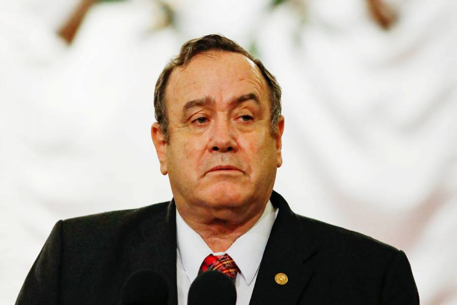 Presidente de Guatemala admite ser paciente