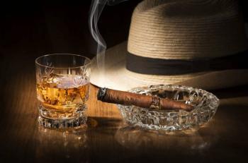 EEUU prohibirá importación de cigarros y licores de Cuba