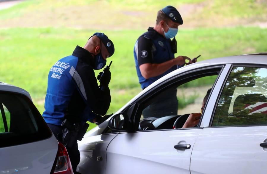 222 policías y 300 médicos pide  Madrid para salir de la crisis