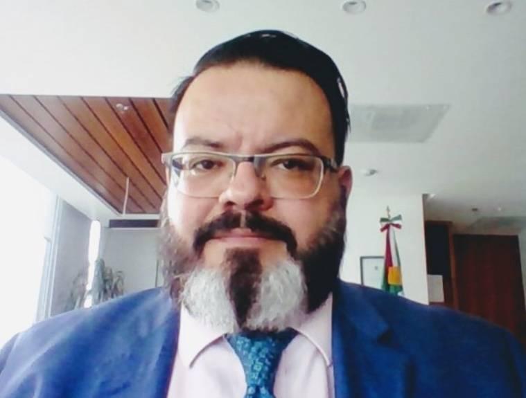 Renuncia Julio Trujillo, subsecretario de la Semarnat