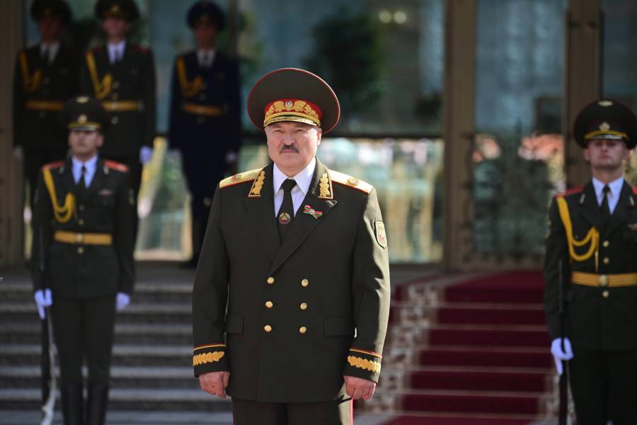 A escondidas, Lukashenko  toma posesión en Bielorrusia
