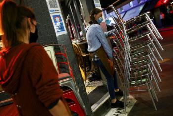 Gobierno británico admite que no podrá salvar empleos con plan de jornada reducida