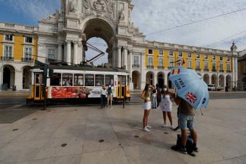 Portugal extiende restricciones por COVID-19 hasta mediados de octubre
