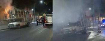 Un camión que transportaba cartón, se incendió frente a la Voca 5