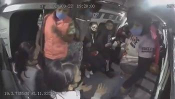 Aseguran a tres de seis rateros de una combi en Puebla