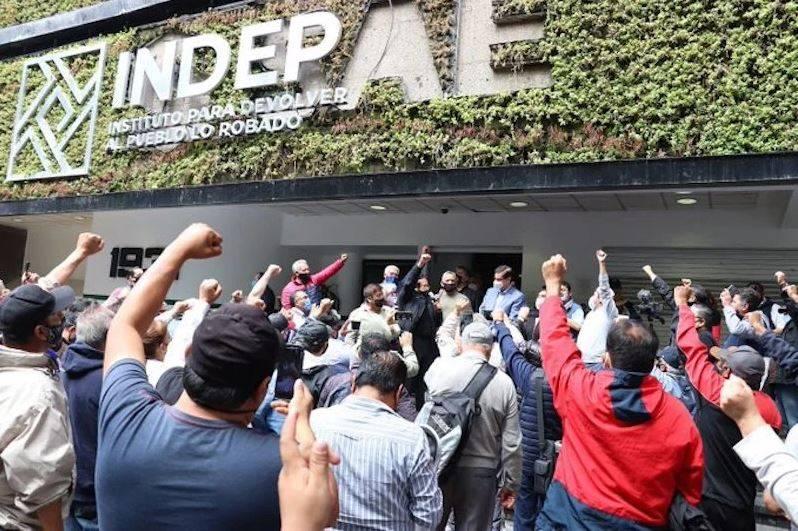 Condona Indep deudas hipotecarias a ex trabajadores de Luz y Fuerza