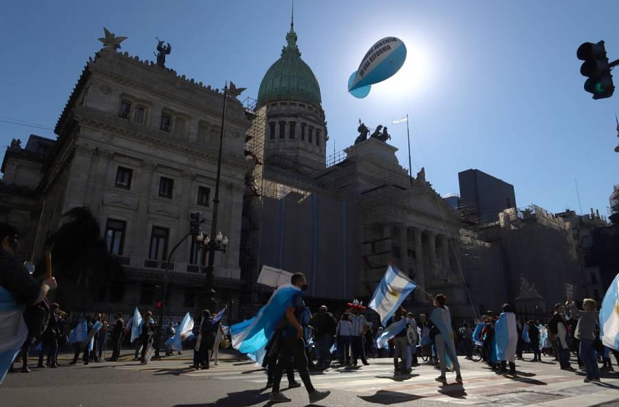Argentina, cerca de alcanzar los 700 mil casos de Covid-19
