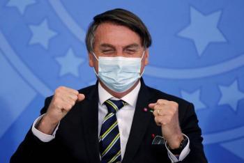 Bolsonaro abandona hospital tras ser sometido a cirugía por piedra en la vejiga