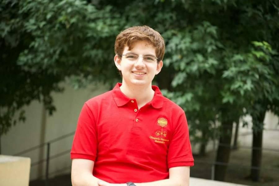 Joven mexicano gana oro en la Olimpiada Internacional de Matemáticas