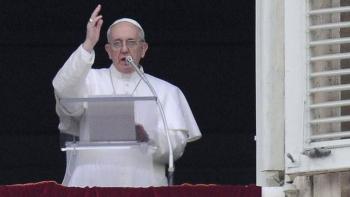 Papa Francisco recuerda a migrantes que se ven obligados a huir como Jesús
