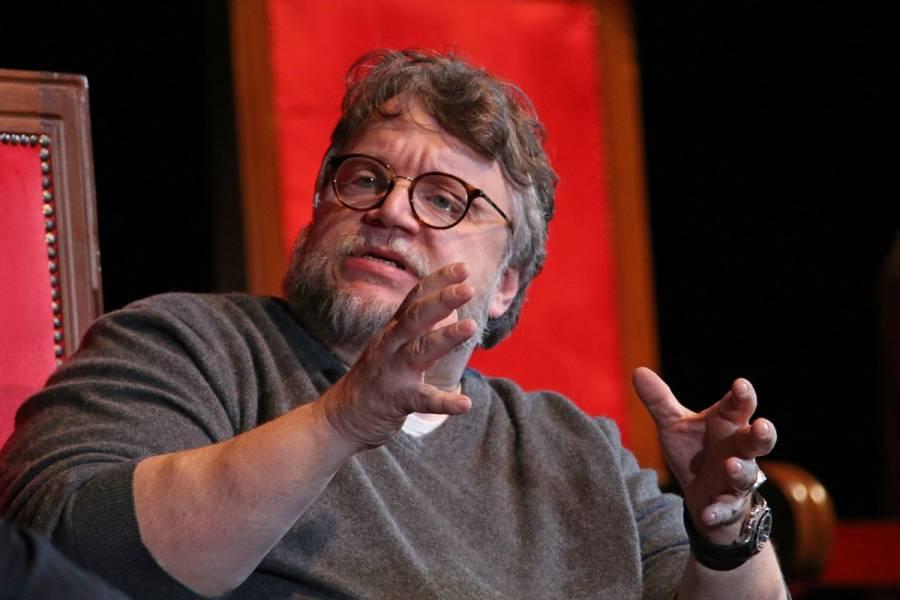 Guillermo del Toro felicita a joven que ganó oro en Olimpiada de Matemáticas